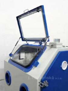 sandblasting machine with top opening view window