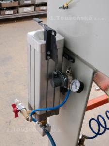 pressure setting of a micro-blaster