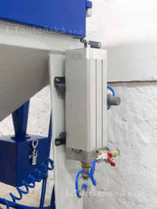 micro-blaster installed on a sandblasting machine