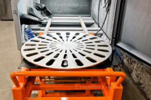 sandblasting box with rolling out turntable and a dolly